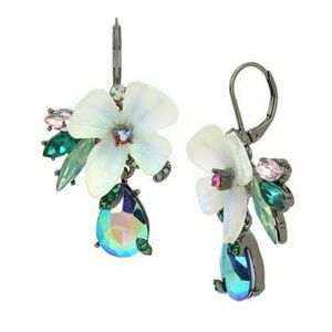 Flower cluster drop earrings blue NWT
